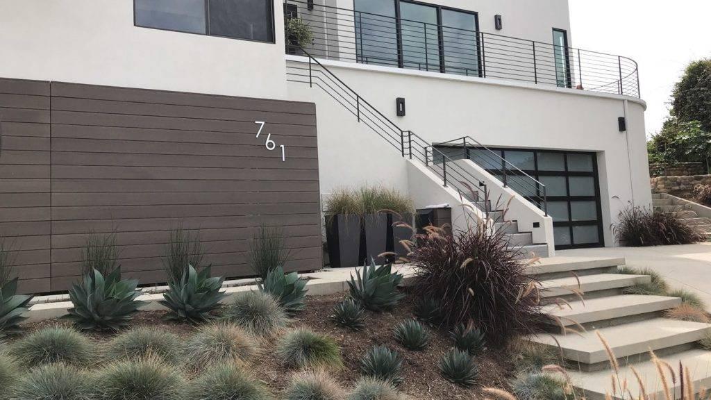 La Jolla New Residence outside view